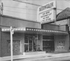 Mountain theatre on Concession Hamilton Ontario Canada, Dundas Ontario, The Old Days, Time Photo, The Province, Best Sites, Old Pictures, Family History, Cool Places To Visit