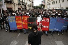 Students demonstrate on December 22, 2010 in Palermo