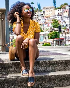 Blogger at one girl one world! Follow us today! Beauty Full, Beauty Tips, Beauty Hacks, Fashion Tips For Women, Fashion Ideas, Fashion Trends, Black Girls, Black Women, Good Beauty Routine