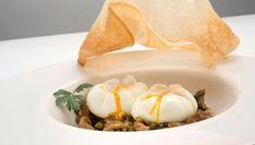 Receta de Huevos flor con setas y guisantes