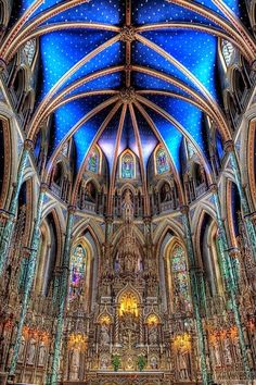 RoH The Notre-Dame Cathedral Basilica is an ecclesiastic basilica in Ottawa, Canada located on 375 Sussex Drive in the Lower Town neighbourhood. The Basilica is the oldest church in Ottawa and the seat of the citys Catholic archbishop. Architecture Antique, Beautiful Architecture, Beautiful Buildings, Art And Architecture, Cathedral Basilica, Cathedral Church, Beautiful World, Beautiful Images, Chapelle