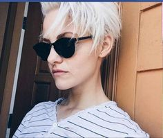 Just another great shot of She might be doing a tutorial soon who would love to see it? Brittenelle Fredericks, Short Styles, Short Hair Cuts, Pixie Cuts, Neue Trends, Lady, New Hair, Cool Hairstyles, Instagram