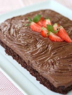 God torsdag!Det var mange som etterspurte oppskrifta på sjokoladekaka eg lagde til 85-årsdagen fo...