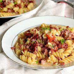 One-Pot Sausage, Tomato and Pesto Pasta - The Recipe Rebel