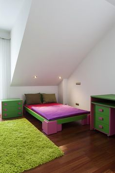 Modern colorful child's bedroom in shades of pink, purple & green - Homeclick Community