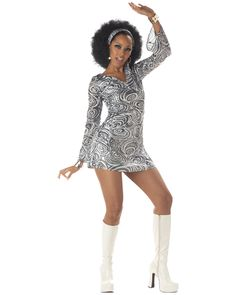 Burn up the dance floor this Halloween in this sexy disco diva dress. Makes a great costume for a disco-themed dance party, as well as for Halloween. Costume Année 70, Costume Disco, 70s Halloween Costumes, Retro Costume, Retro Halloween, Costume Ideas, Adult Halloween, 70s Girl Costume, Vampire Costumes