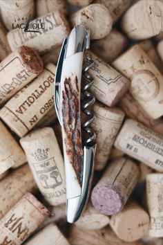 Our original Forge de Laguiole® Sommelier knife with a deer antler handle and shiny finish. Our authentic Sommelier knife was produced in collaboration with professional Sommeliers and thus gives it its ergonomics, elegance and efficiency.   #wine #sommelier #sommelierknife #winelovers #finewine #giftideas #giftsformen #redwine #whitewine #laguiole #laguioleknife #knife #waiter #waiterknife #forgedelaguiole #handmade #madeinfrance #worldcuisine #drinks #frenchwine #deer #deerantler #wineopener