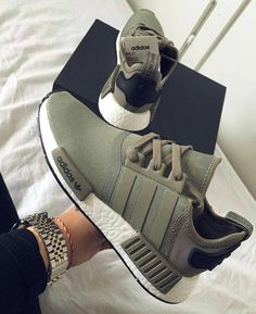 NMD R1 Trace Green
