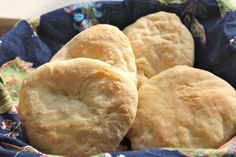 A simple recipe for homemade Israeli pita breads. A short rise and quick bake…