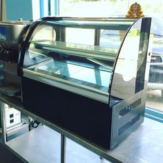 GS328 tabletop cake showcase with front glass anti moist heater now available or contact Chris 09173012331 4957828 09435333291 #cebu #food #foodporn #cakeshowcase #cakedisplay #culinary #pastry #bakery #cake #dessert #coffeeshop #hotel #restaurant #cafe