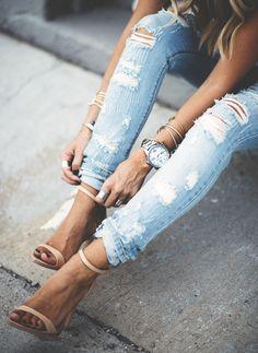 <3 http://elegance-fashion.tumblr.com/post/142224062389/denim-sandal