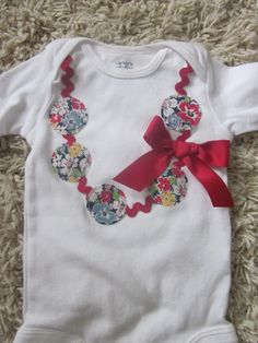 Sweet vintage floral necklace applique onesie