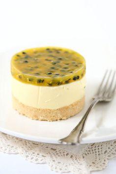Piccoli cheesecake con passionfruit e cioccolato bianco Ricetta
