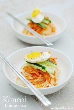Kimchi Bibim Gooksoo 김치비빔국수