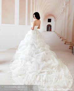 exclusive handmade luxury wedding bridal dresses www.switol.com