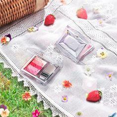 "☆ April 7, 2017-April 21, 21, Stuart Stuart Summer Collection ☆  Jill Stuart's new cheek, The ""blooming dew oil in blush"" on April 21th."