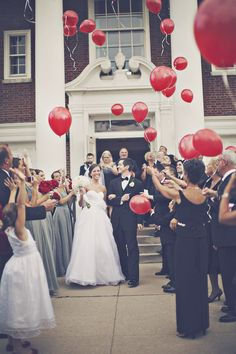 cute idea instead of rice or bubbles, balloons!