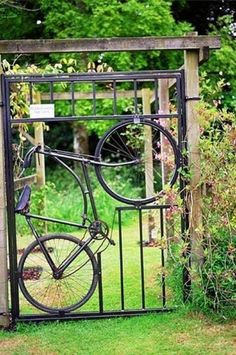 Lovely garden gate. By Freshome.