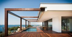 #Exterior #Piscina #Porche #moderno #casas via @planreforma #muebles de exterior #fachadadiseñado por MASIASVERDES | Gremio