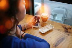 Ergonomic iPhone 6 Case Doubles as Storage Unit - http://www.psfk.com/2015/07/ergonomic-iphone-6-case-recondo-libercom.html