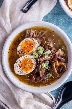 This easy mushroom miso soup with noodles is a healthy and warming vegetarian meal. My favourite spicy mushroom soup is made with white miso paste and topped with a runny boiled egg. Best Egg Recipes, Spicy Recipes, Healthy Recipes, Delicious Recipes, Soup Recipes, Miso Recipe, White Miso, Soba Noodles, Recipes