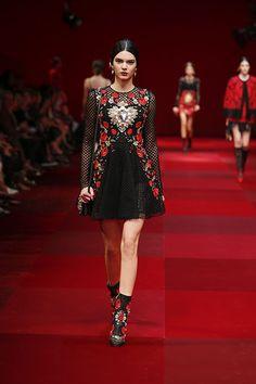 Dolce & Gabbana Women Summer Fashion Show 2015