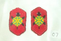 Barrette Girls Set of 2 Authentic Native American Beadwork Turtle Red New cute tiny beaded barrettes for a small child. $24.95 w/ free shipping #beadwork #nativeamerican #barrettes