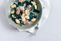 Superlekker recept voor gebakken gnocchi met venkelworst en cavolo nero.