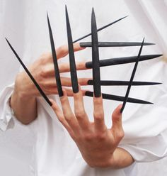 Y'all thought the bitches in Harlem had some long, point nails?