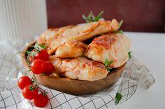 Malá úprava a z domáceho pečiva sú úžasne chutné pizza rožky. Už ich robievam pravidelne, uľahčia mi čas ráno pri príprave raňajok. Baked Potato, Pizza, Potatoes, Baking, Ethnic Recipes, Food, Basket, Potato, Bakken