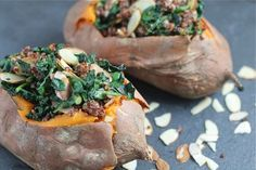 This Kale & Quinoa Stuffed Sweet Potato is a perfect lunch or dinner for vegans or vegetarians, and a great side dish for healthy eaters! Veggie Recipes Healthy, Healthy Cooking, Gluten Free Recipes, Vegetarian Recipes, Cooking Recipes, Healthy Snacks, Quinoa Sweet Potato, Beyonce, Vegan Challenge