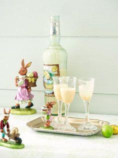 Eierlikör selber machen geht mit unserem Rezept ganz einfach. Tipps und Rezepte für Eierlikörkuchen und -cocktail.