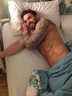 I could handle anything if I woke up to this man in my bed everyday... Pfff n'importe quoi