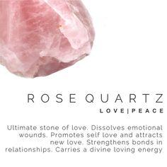 Rose quartz meaning Crystal Healing Stones, Rose Quartz Crystal, Pink Quartz, Crystals And Gemstones, Stones And Crystals, Gem Stones, Rose Quartz Meaning, Gemstone Properties, Meditation