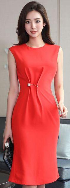 StyleOnme_Pearl Accent Pin Brooch Sleeveless Dress #red #elegant #feminine #chic #dress #koreanfashion #kstyle #kfashion #seoul