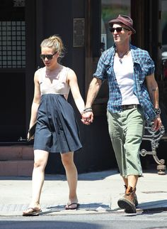 Piper Perabo Photos: Piper Perabo Strolls The City With Her Man