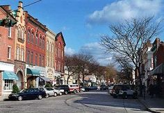 Main Street in Northport Village, New York. Completes the small town picture. Wonderful Places, Great Places, Places Ive Been, Places To Go, Beautiful Places, Long Island Sound, Long Island Ny, Island Beach, Island Girl