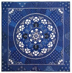 """Garland of Blue and White Flowers"""" by Elizabeth Bogdan Photo: Thomas B. Red And White Quilts, Blue Quilts, Blue And White, Quilting Tutorials, Quilting Projects, Quilting Ideas, Quilt Patterns, Chinoiserie, Delft"""