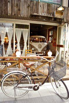 vw van. old school bike. im in -★-
