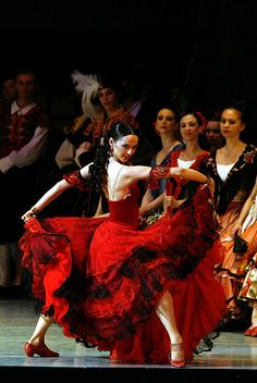 FLAMENCO.....PHOTOGRAPH BY N.RAZINA......MARIINSKY BALLET DANCE AT THE ROYAL OPERA HOUSE PERFORMING THEIR DON QUIXOTE.....ON LONDONIST.......
