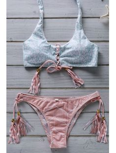 SHARE & Get it FREE | Hit Color Flower Print Halter Bikini SetFor Fashion Lovers only:80,000+ Items • New Arrivals Daily Join Zaful: Get YOUR $50 NOW!