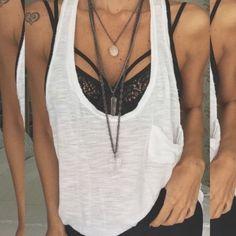 Strappy bra: como usar e onde encontrar | Virgula
