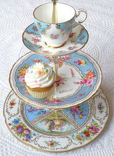 Vintage 3 tier plate saucer and teacup stand (blue floral china)