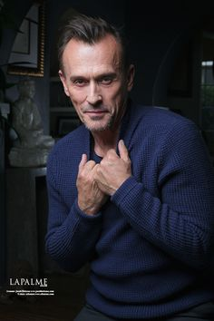 """Robert Knepper is everywhere right now. The seasoned actor has been on screen since 1986 and nothing is slowing him down. Currently best know for his role as Theodore """"T-Bag"""" Bagwell in the FOX drama series Prison… Theodore Bagwell, Prison Break 3, Michael Scofield, T Bag, Rugged Men, Celebrity Portraits, Movie Mistakes, Book Show, Twin Peaks"""