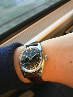 Watches - [OMEGA] This is what the Railmaster reissue should look like. My 1958 Old Watches, Modern Watches, Luxury Watches For Men, Vintage Watches, Pocket Watches, Rolex, Omega Railmaster, Expensive Watches, Hand Watch