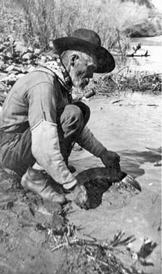 #Panning for #gold in #California.       For more great pins go to @KaseyBelleFox
