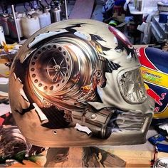 Art in Helmet By: @swagedoutg