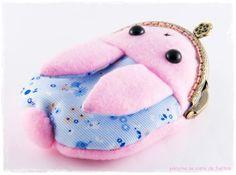 Cute Bunny Kiss lock Purse / Animal metal frame by PikiyinaFieltro, €17.50