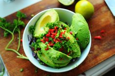 Pair avocados with cannabis and some other savory flavors and you, my friend, are looking at a green bowl of healthy cannabis-infused guacamole! Weed Recipes, Marijuana Recipes, Cannabis Edibles, Sauce Recipes, Healthy Diet Recipes, Vegan Recipes, Healthy Eating, Avocado Recipes, Avocado Health Benefits