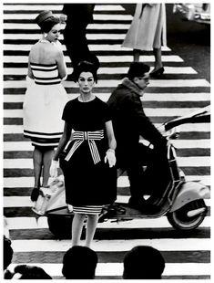William Klein Simone + Nina, Piazza di Spagna, Rome, 1961.